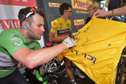 British Mark Cavendish of Dimension Data pictured ahead of the seventh stage of the 103rd edition of the Tour de France cycling race, 162,5km from L'Isle-Jourdain to Lac de Payolle, on Friday 08 July 2016, in France. This year's Tour de France takes place from July 2nd to July 24th. BELGA PHOTO DAVID STOCKMAN