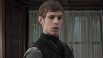 penny_dreadful_s2_harry_treadaway_16x9-1